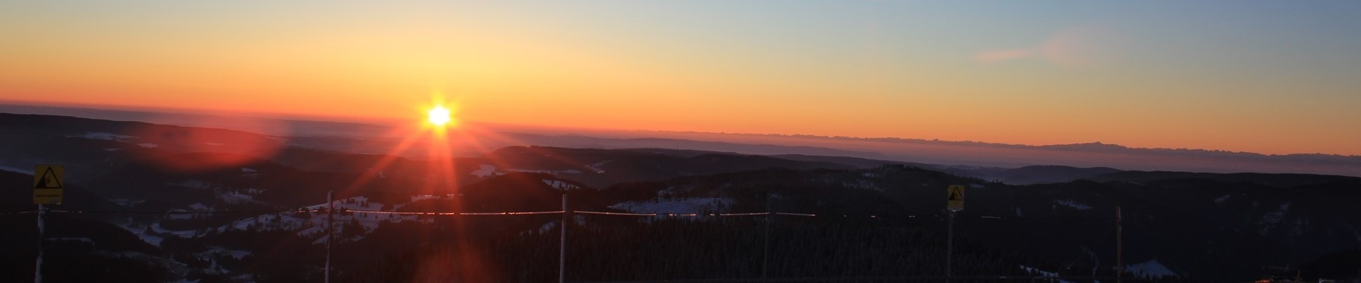 Sonnenuntergang am verschneiten Feldberg / Griesbachhof-Schwarzwald