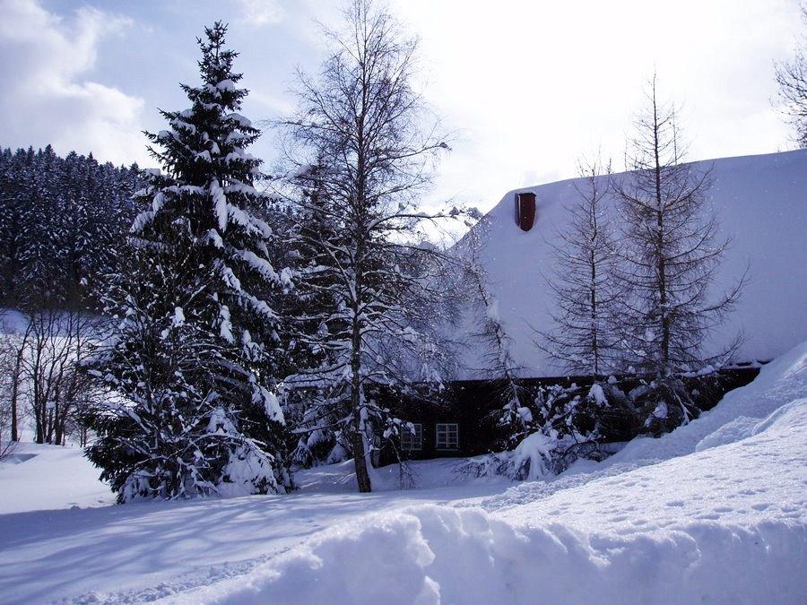 Ferienhaus Außenbereich im Winter: Das Häusle im Schnee
