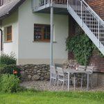 Ferienwohnung Außenbereich: Terrasse mit Garnitur