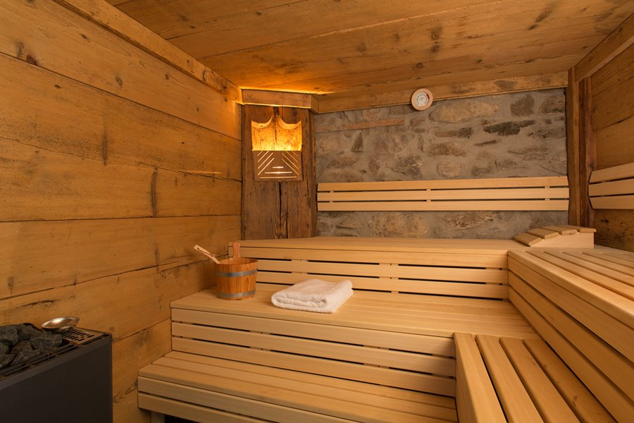 wellnessbereich mit altholzsauna urlaub am griesbachhof schwarzwald. Black Bedroom Furniture Sets. Home Design Ideas
