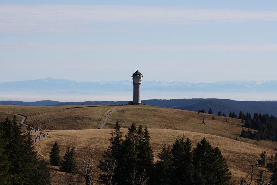 Natur Attraktion: Feldberg mit Feldbergturm