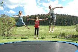 Spiel und Spaß Erlebniskategorie: Trampolin springen am Griesbachhof