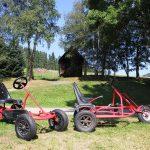 Spiel und Spaß am Griesbachhof: der Einzel- und Doppelkettcar aus dem Fuhrpark