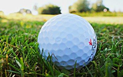Sport im Sommer Erlebnisbox: Golfen in traumhafter Natur