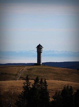 Willkommen Trailer Box Erlebnisse Attraktionen Natur: Feldberg mit Feldbergturm